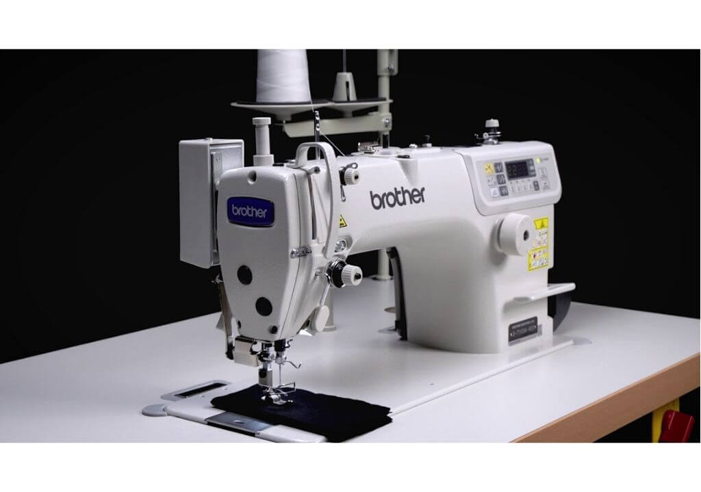 Máquina recta industrial Brother S7100 A